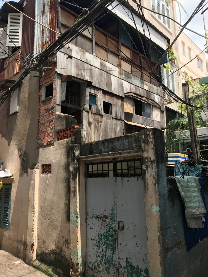 Nhà Nát Nguyễn Văn Nguyễn Q1, Dt 28m2