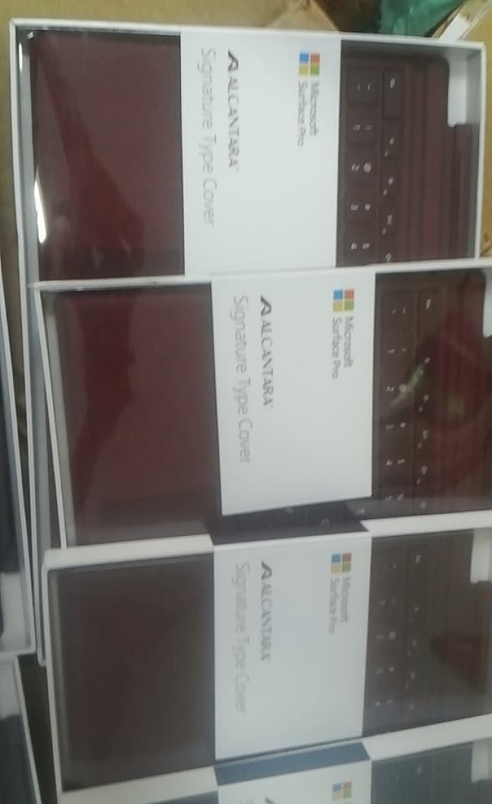 Phân phối sỉ bàn phím Microsoft Surface Pro Signature Type Cover
