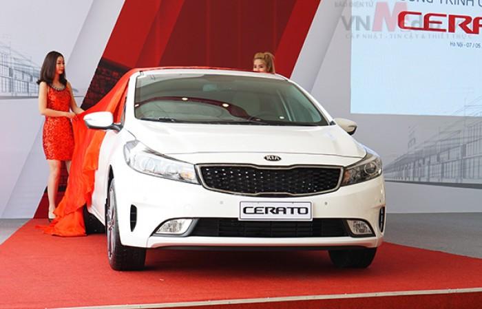 Kia Cerato sản xuất năm 2017 Số tay (số sàn) Động cơ Xăng