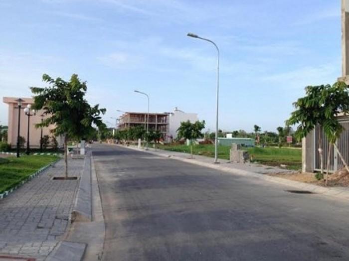 Bán gấp lô đất thổ cư gần chợ, TTHC quận 2_xây dựng tự do_sổ đỏ riêng
