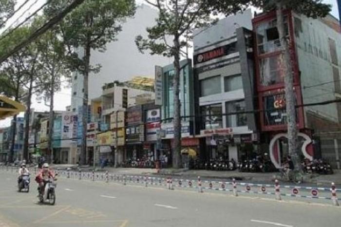 Bán nhà Mặt tiền Nguyễn Thị Minh Khai, P.2, Quận 3. DT 4x17m