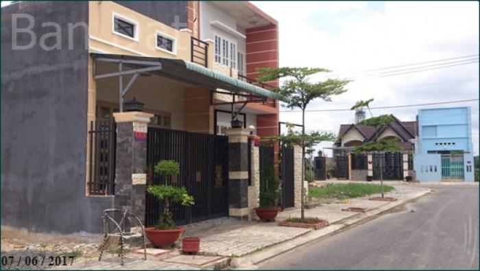 Đất Trung tâm Thể Thao, 96 Giang Khôi Q.2, thổ cư
