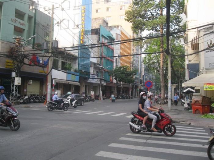 MT Đường Trần Khắc Chân Quận 1 đoạn vỉa hè rộng
