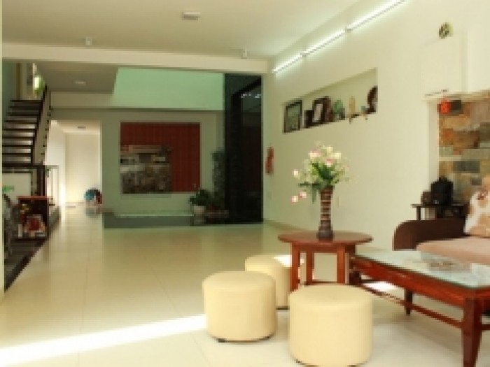 Bán khách sạn MT Phạm Ngũ Lão, Đề Thám, Quận 1, DT: 4.1x26m