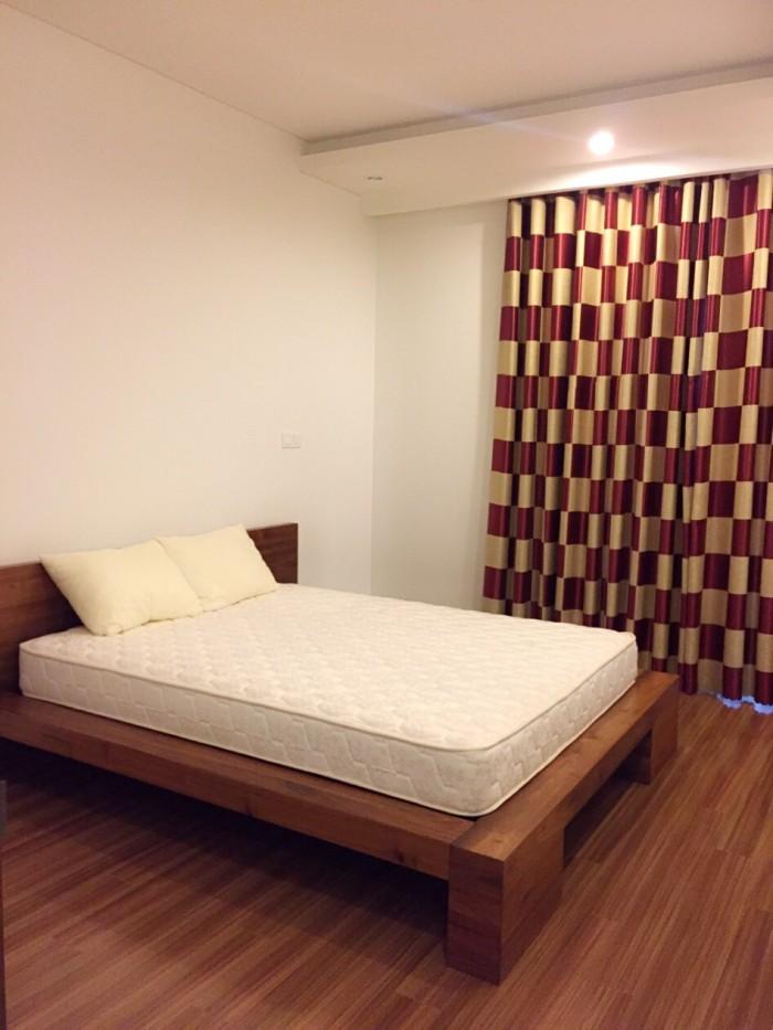 Cần cho thuê căn hộ Hoàng Anh River View, dt 138m giá 17tr, nội thất cơ bản, view hồ bơi
