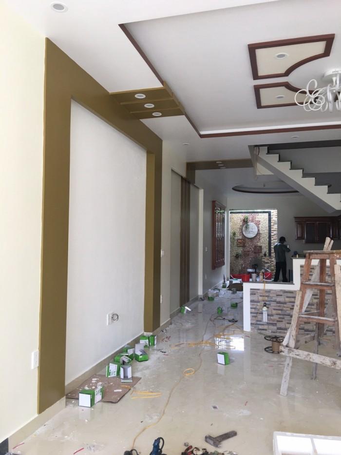 Bán nhà 3,5 tầng độc lập đường Khúc Thừa Dụ 2, có gara oto trong nhà