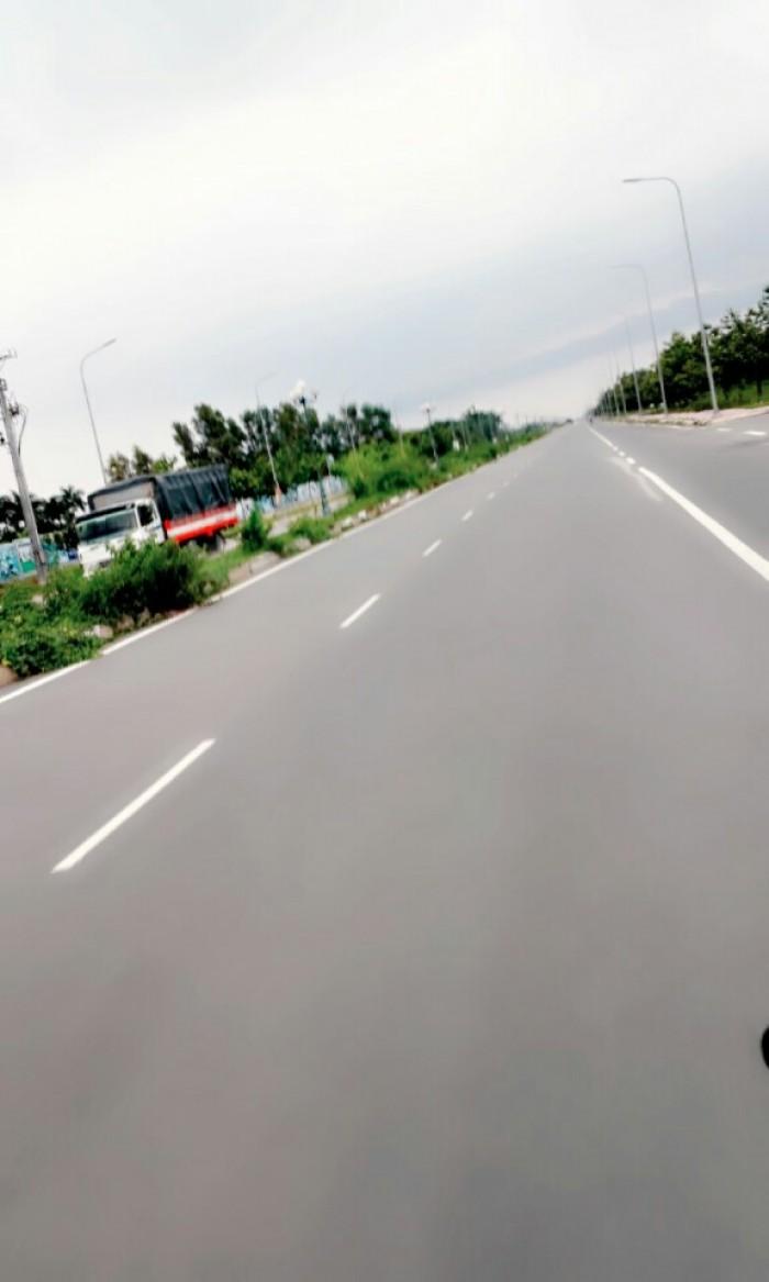 Đất nền quận 2, giáp 2MT đường lớn Nguyễn Thị Định, shr