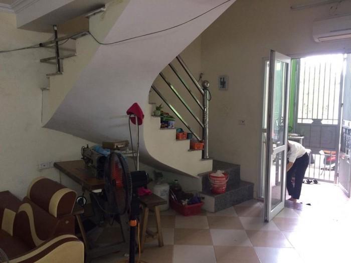 Cần bán gấp nhà 2 tầng cực đẹp, DT 66.5 m2 tại TDP An Đào TT Trâu Quỳ