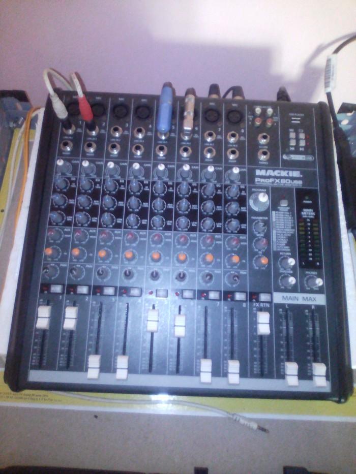 Mixer mackie  fx80