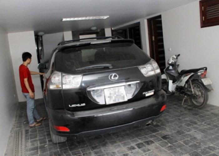 Nhà Thành Thái, Quận 10, 5 tầng, xe hơi vô nhà
