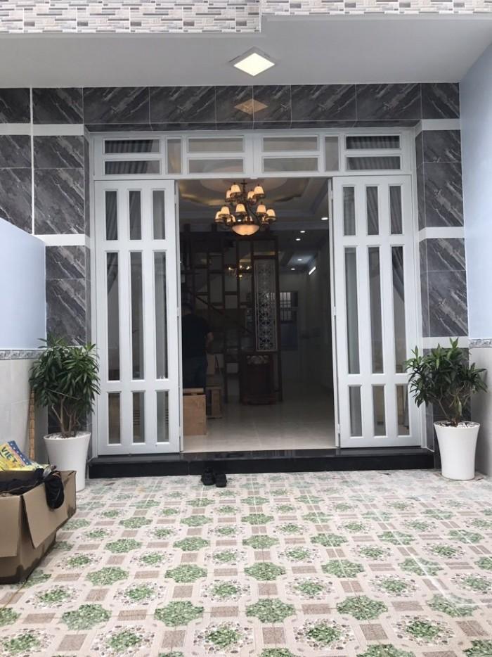 Bán nhà Nhà Bè hẻm 1979 Huỳnh Tấn Phát, DT 4x19m, nhà 2 lầu, 4 PN, có sân thượng, sổ riêng
