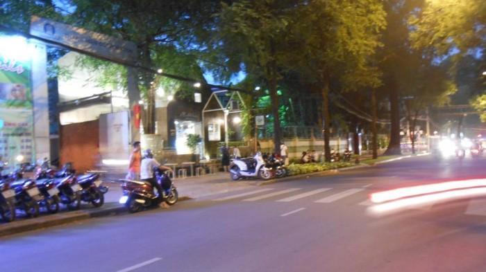 Bán Nhà Mặt tiền Lê Quý Đôn, Quận 3, DT: 20x23m, Xây 3 Lầu