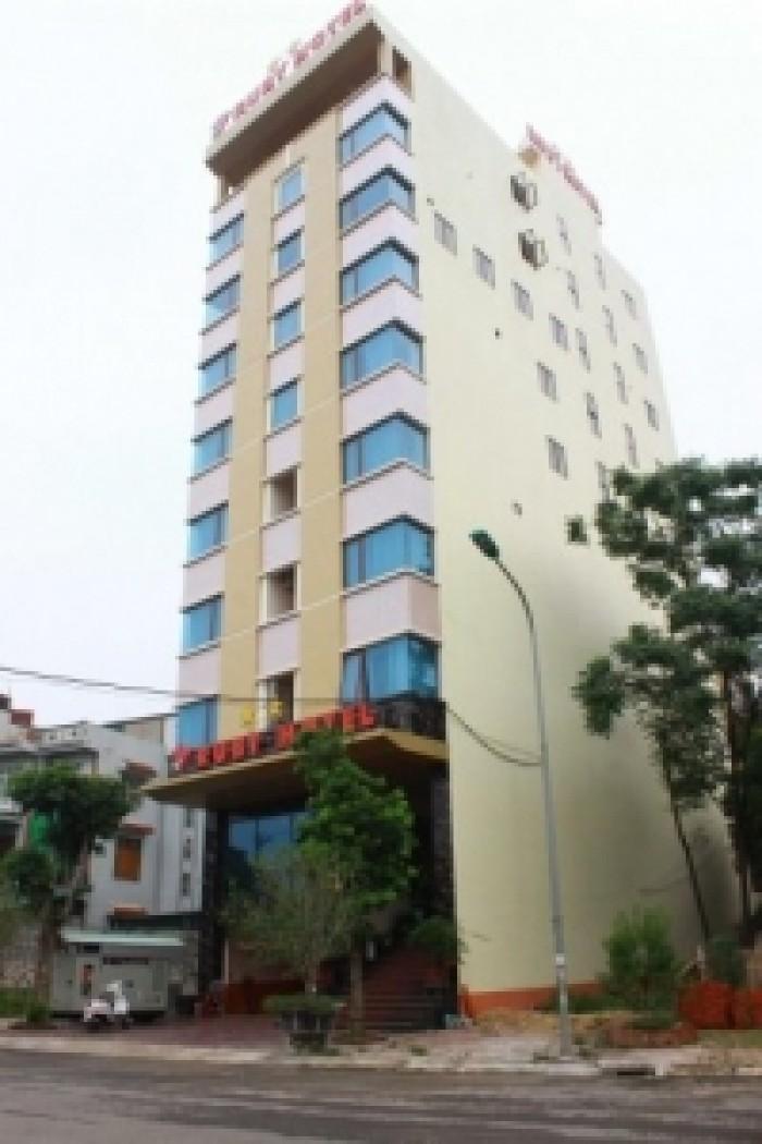 Bán gấp khách sạn 5 lầu Lê Văn Sỹ, Q. 3, DT: 4x20m