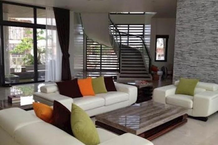 Bán nhà mặt tiền Trần Quang Khải, DT: 5.1x25m, 4 tầng, giá rẻ