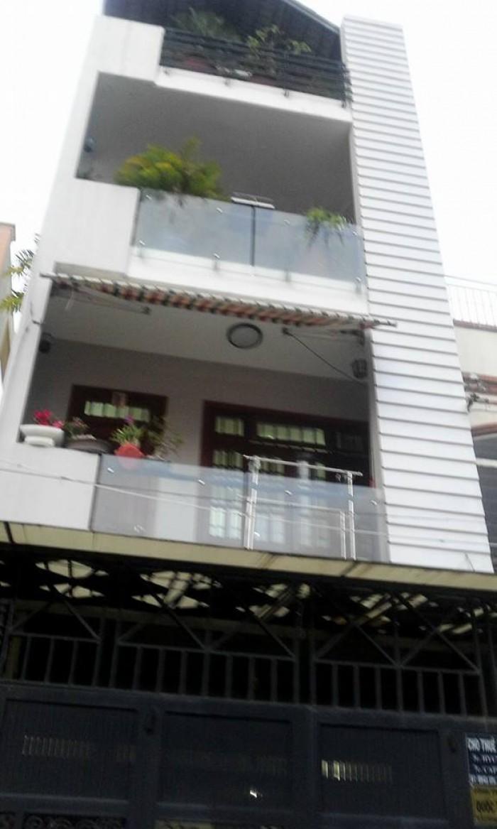 Bán gấp nhà MT Võ Văn Tần Phường 5 Q3 DT: 6x11m trệt 4 lầu.