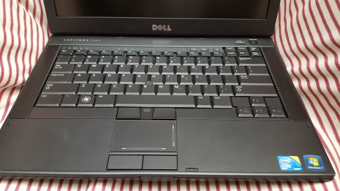 Dell Latitude E6410 - i5 540M,4G,320G,VGA rời, 14inch, webcam,đèn phím2