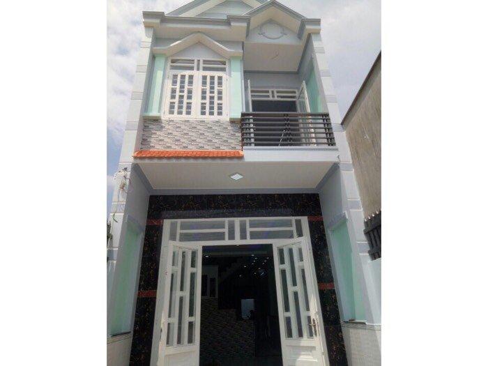 Cần bán nhà 1 lầu 1 trệt nhà mới xây cách chợ Mỹ Hạnh 500m, SHR