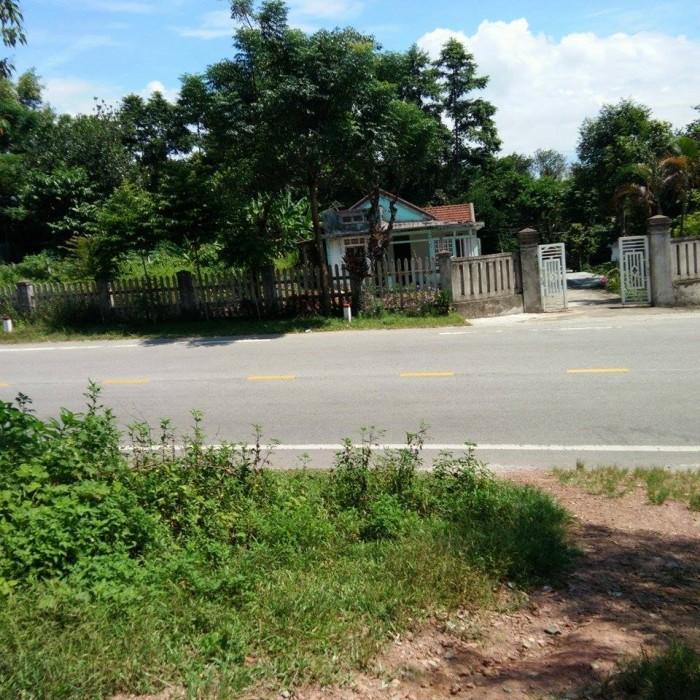 Cần bán gấp 1 lô đất mặt tiền đường Khải Định, Huế