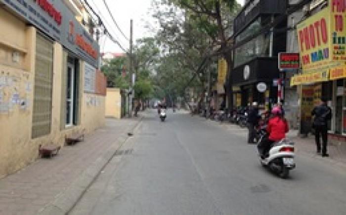 Nhà MT Đường 212b Nguyễn Trãi, Quận 1, DT: 5x31m, nở hậu 175m2