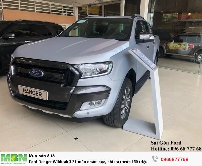 Ford Ranger Wildtrak 2.0L màu nhám bạc, chỉ trả trước 150 triệu