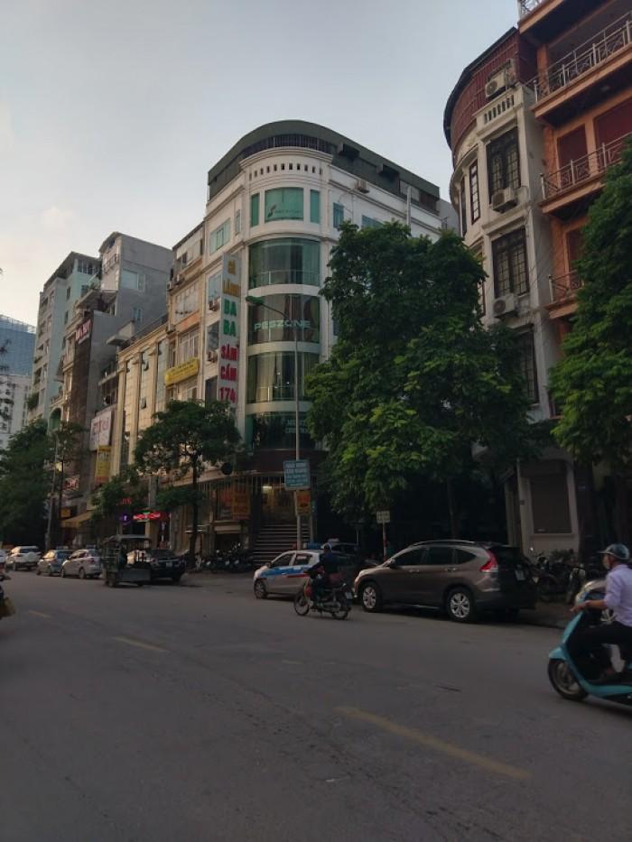 Cần cho thuê nhà MP Nguyễn Tuân, 300m2 DTSD, gần đoạn đẹp nhất