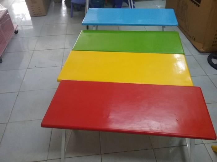 Xưởng chuyên cung cấp bàn nhựa nhập khẩu cho bé