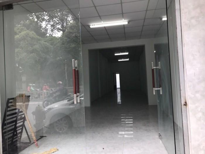 Bán nhà mặt tiền đường Phan Văn Trị, phường 10, quận Gò Vấp, 3,6 x 27,8m, cấp 4, giá 8,5 tỷ