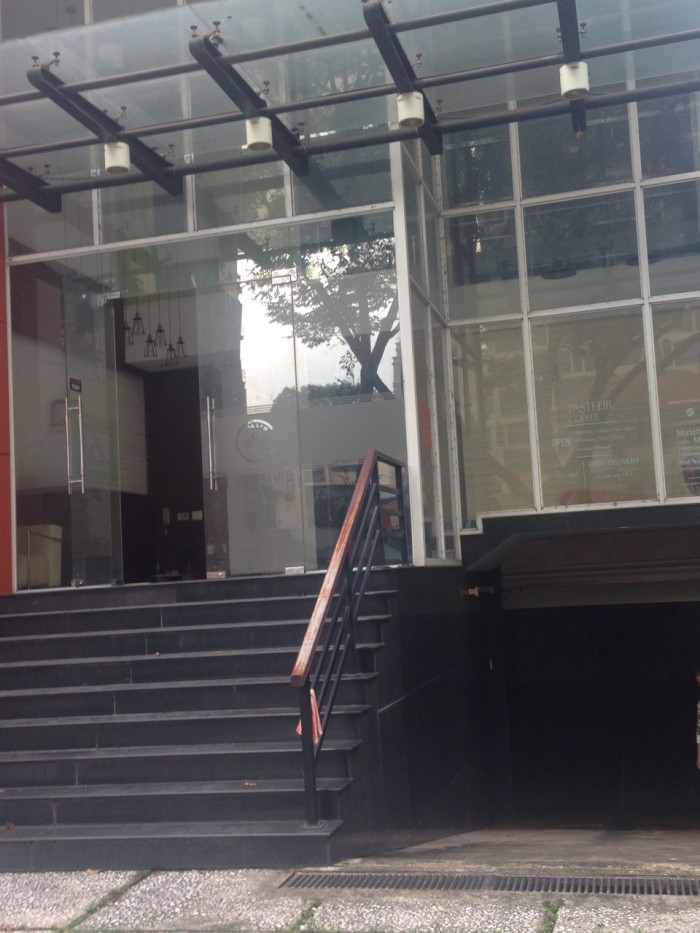 Cho thuê tòa nhà văn phòng số 212 đường Pasteur, P. 6, Quận 3