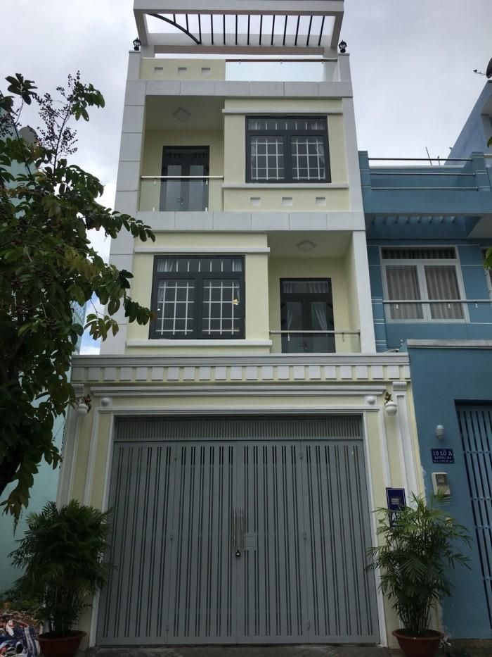 Bán nhà đẹp nằm mặt tiền 20m Phạm Hữu Lầu, DT 5x18m, 3 lầu sân thượng