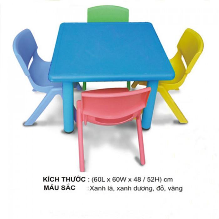 Chuyên cung cấp bàn nhựa dành cho các bé yêu.8