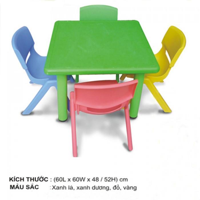 Chuyên cung cấp bàn nhựa dành cho các bé yêu.9
