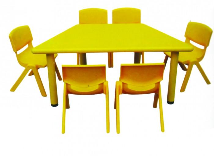 Chuyên cung cấp bàn nhựa dành cho các bé yêu.3