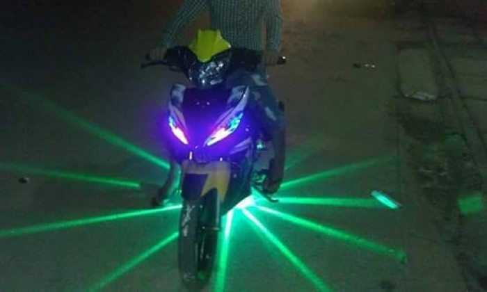 Đèn Gầm Xe Máy 7 Màu