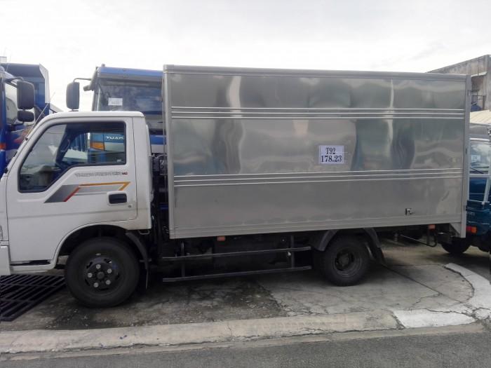 Xe tải nhẹ KIA thùng kín 2t3, đời 2017, nhập khẩu, hỗ trợ trả góp 3