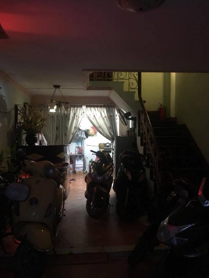 Ngõ 8 Trần Quang Diệu 5 tầng 42m2 mặt tiền 3.8m ô tô đỗ cửa