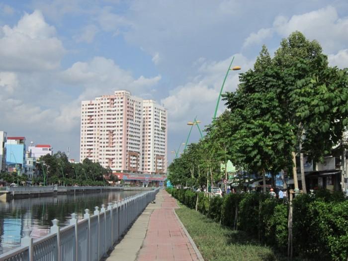 Cho thuê căn hộ chung cư Screc, DT 90m2, nhà đẹp , full nội thất