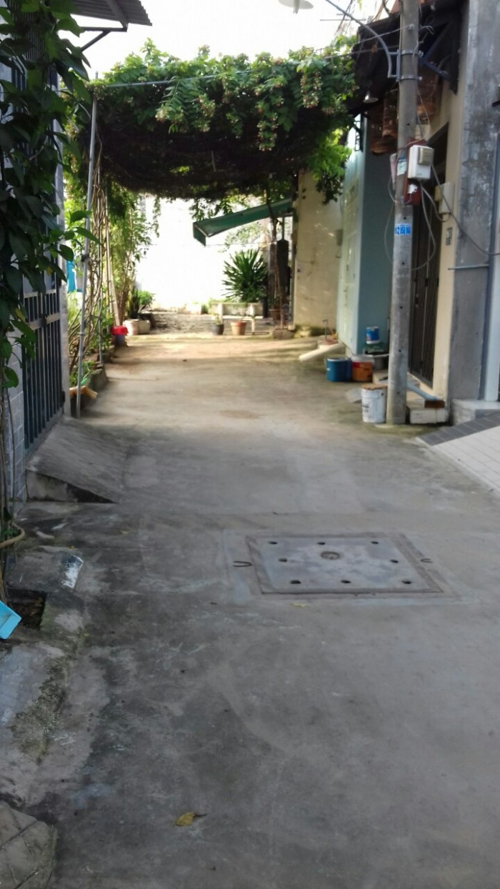 Bán nhà hẻm 5m đường 185, Phước Long B, Quận 9, giá 2ty300.
