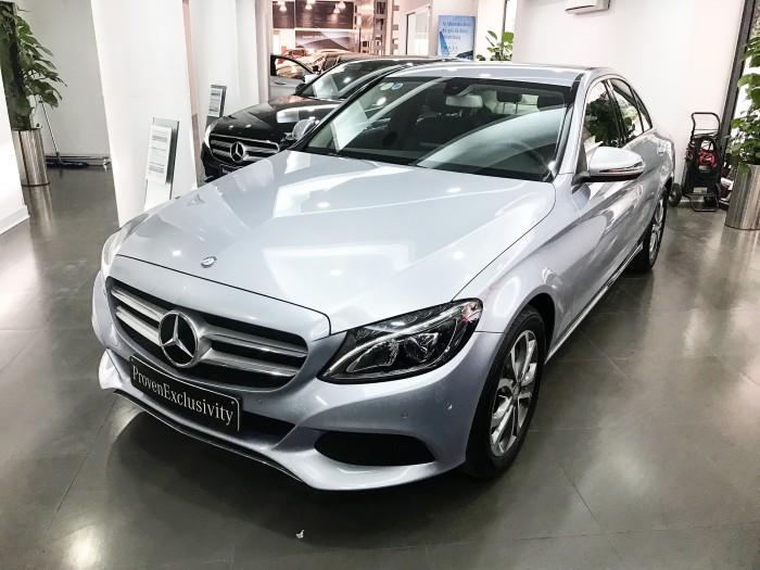 Bán Mercedes C200 2017 chạy lướt giá rẻ