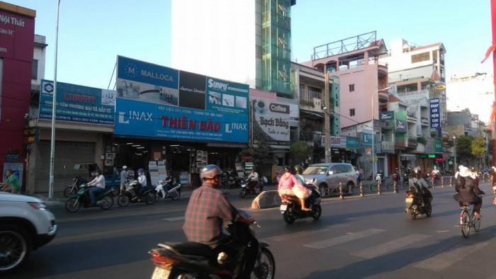 Cho thuê nhà mặt tiền ngay ngã tư, khu dân cư cực sầm uất Quận Tân Phú