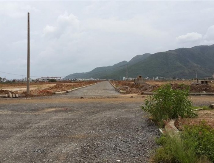 Đất đường tại Phú Quốc 220tr/ 114 m2
