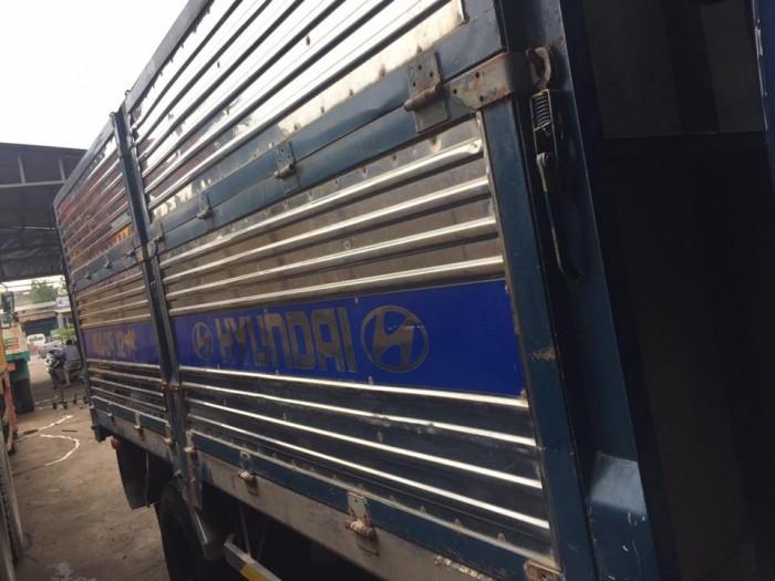 Bán xe tải hyundai hd 65 hạ tải vào tp ban ngày đời 2015 10