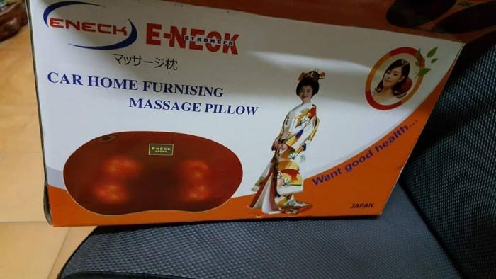 Gối massage Nhật Bản 6 bi hồng ngoại tự động đảo chiều