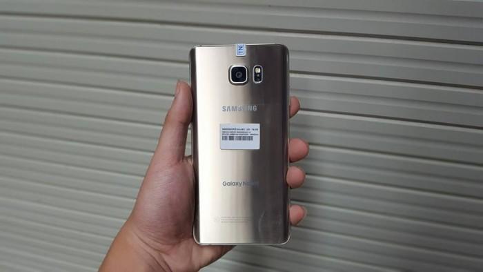 Dù ra mắt từ năm 2015 nhưng với cấu hình này Samsung Galaxy Note 5 cũ cho hiệu năng cao chạy mượt mà, xử lý êm ái mọi tác vụ từ cơ bản đến các ứng dụng, game nặng hiện nay mà không gặp tình trạng, giật lag.