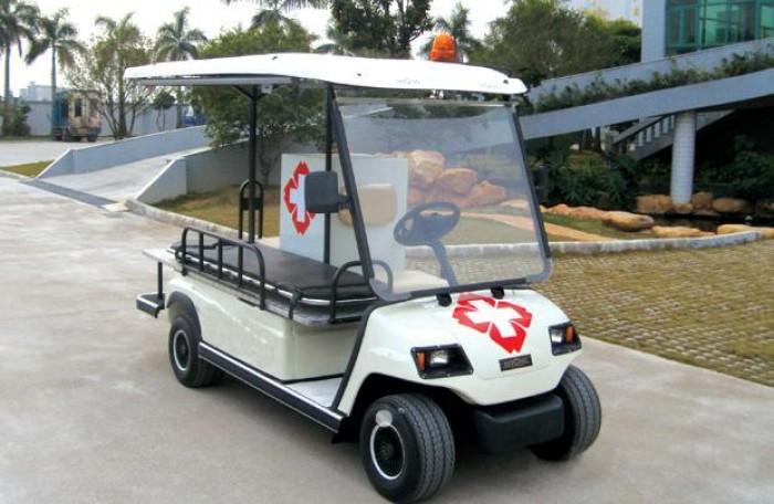 Xe điện chở bệnh nhân