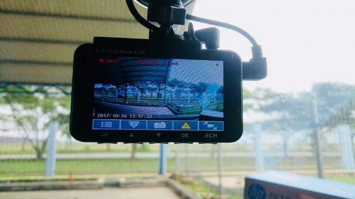 Camera hành trình HP-F870G thật sự là lựa chọn hoàn hảo cho các bác tài thích 2 cam trước sau, đây là mẫu cao cấp của dòng HP với đầy đủ tính năng hỗ trợ người lái xe tân tiến như: ADAS, Parking Mode, san làn, ngủ gật ...đặt biệt 2 cam quay đồng thời cả trước sau, bản F870g hiển thị tốc độ, cam sau có thể nối lùi nhé.