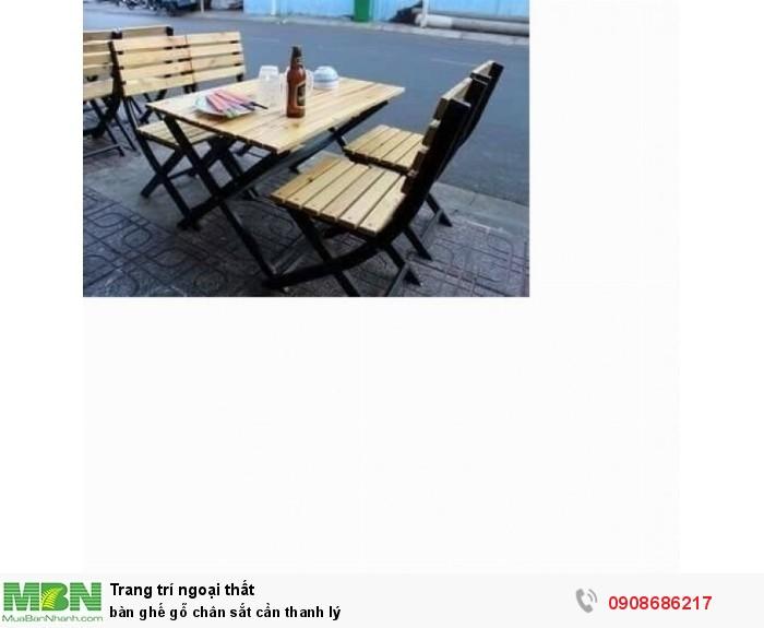 Bàn ghế gỗ  chân sắt cần thanh lý3
