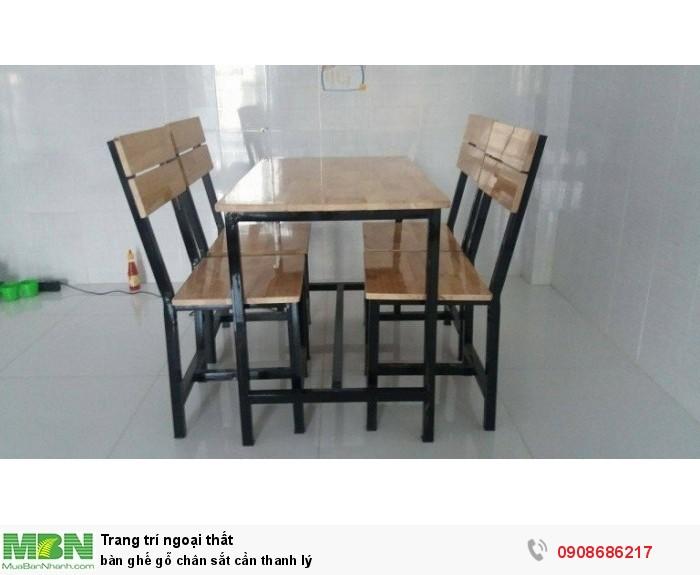 Bàn ghế gỗ  chân sắt cần thanh lý4