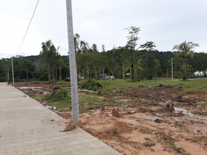 Bán đất thuộc dự án Ocean Land Phú Quốc. DT 110m2 giá 200tr. Có SHR