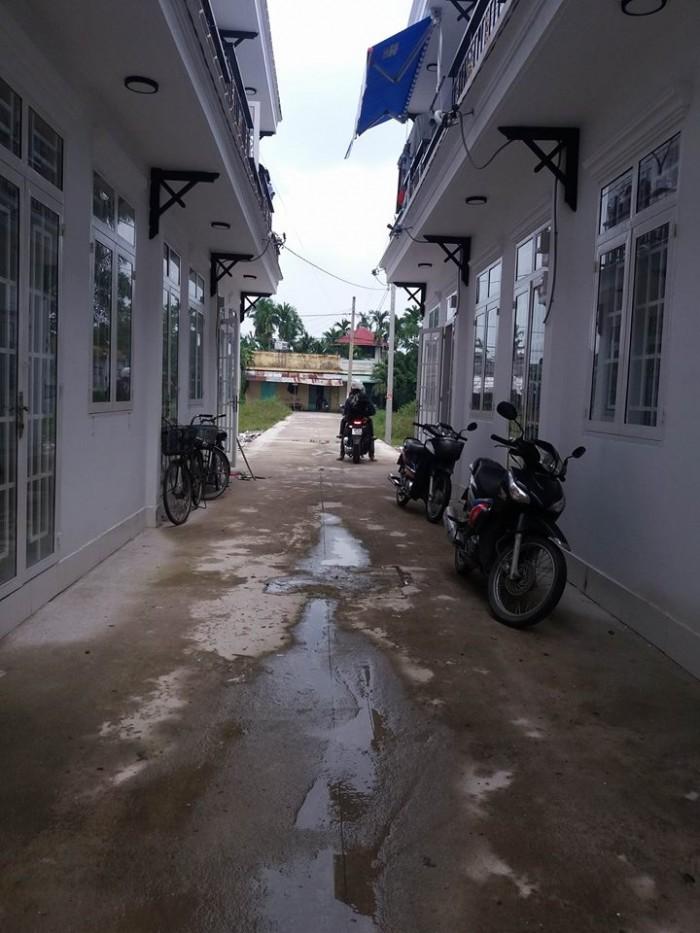 Cần bán nhà phố liền kề 1 trệt 1 lầu đường suối lội nguyên căn