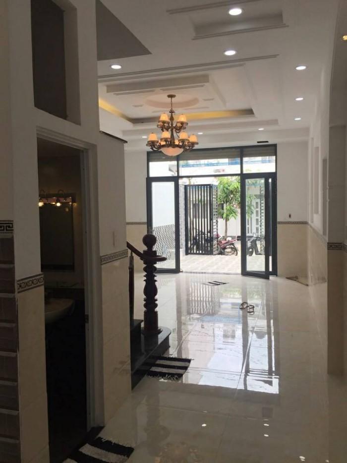Bán nhà phố 3 lầu đường 1979 Huỳnh Tấn Phát DT 5m x 18m, 4PN, sân thượng, sân phơi